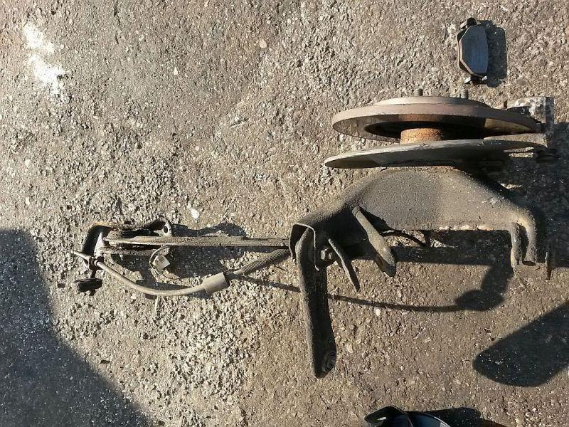 Achsschenkel links hinten Radlagergehäuse links hinten FORD MONDEO III KOMBI (BWY) 2.0 16V TDDI/TDCI 85 KW