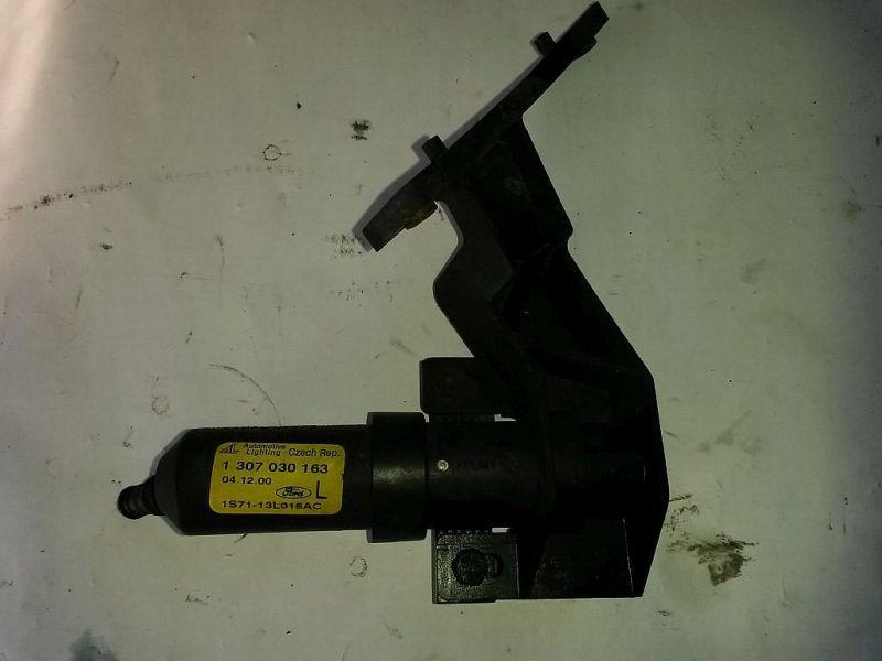 Waschwasserdüse Scheinwerfer links Waschwasserdüse links FORD MONDEO III KOMBI (BWY) 2.0 16V TDDI/TDCI 85 KW