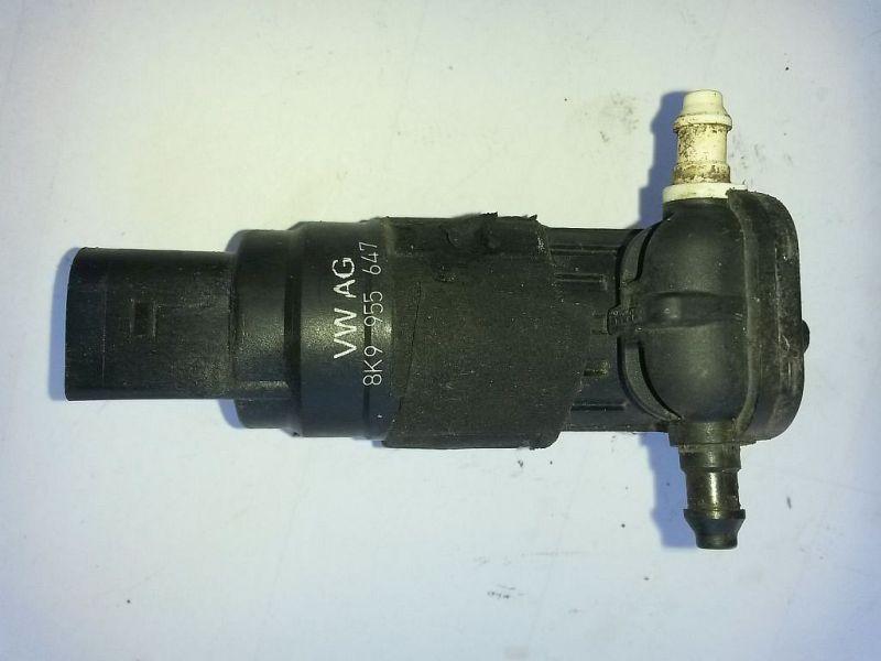 Scheibenwaschanlagenpumpe  AUDI A4 AVANT (8K5, B8) 2.0 TDI 105 KW
