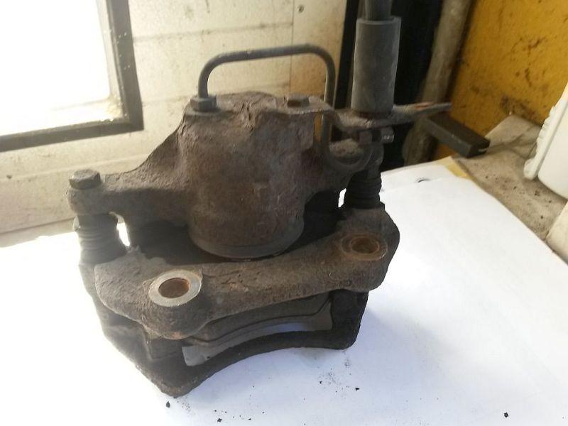 Bremssattel links vorn  AUDI A4 (8D2, B5) 1.9 TDI 66 KW