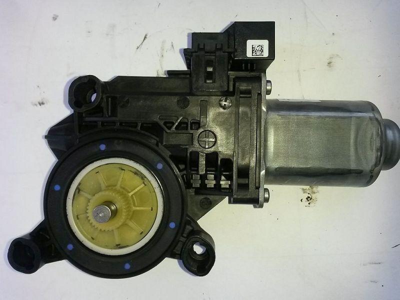 Motor Fensterheber links vorn  VW POLO (9N_) 1.2 12V 51 KW