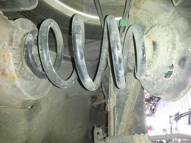Feder links hinten  VW PASSAT VARIANT (3B6) 1.9 TDI HIGLINE 96 KW