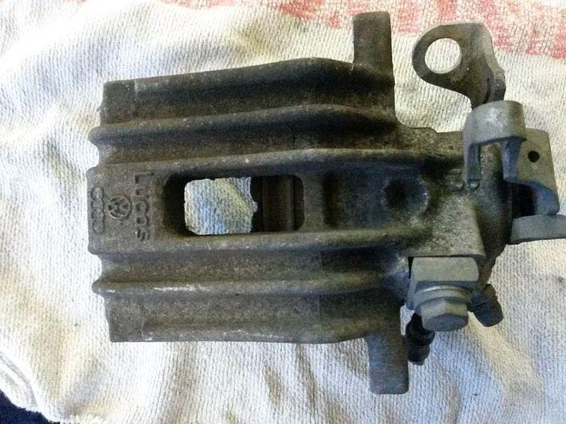 Bremssattel rechts hinten  SKODA FABIA COMBI (545) 1.6 TDI 55 KW