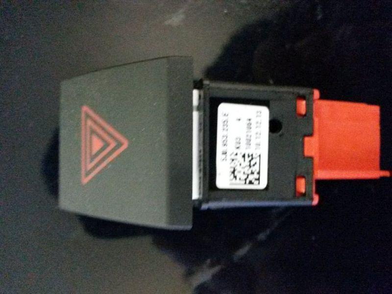Schalter Warnblinker  SKODA FABIA COMBI (545) 1.6 TDI 55 KW