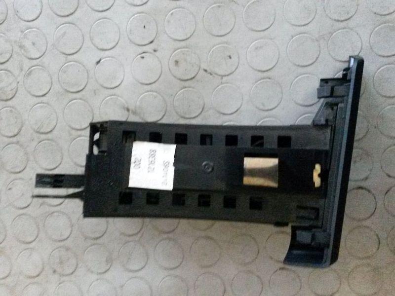 Getränkehalter BMW X3 (E83) 2.0D
