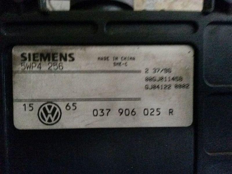 Steuergerät Motor geprüftes SteuergerätVW GOLF III (1H1) 2.0 GTI