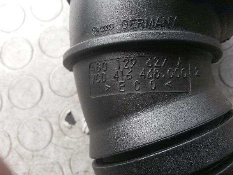 Ansaugschlauch AUDI A4 (8E2, B6) 2.5 TDI