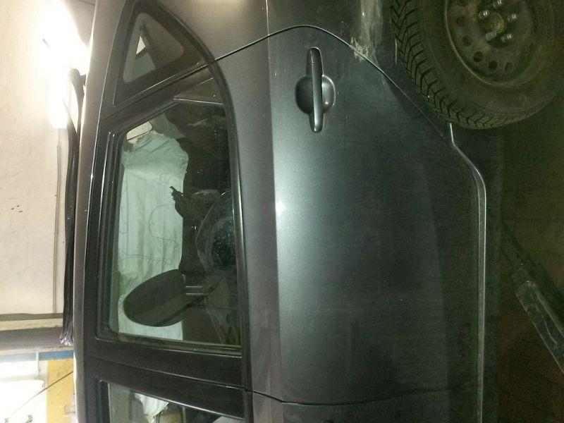 Tür links hinten mit Beschädigung siehe PhotoHYUNDAI I30 (FD) 1.6 CRDI