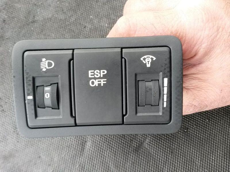 Schalter ABS ESP HYUNDAI I30 (FD) 1.6 CRDI